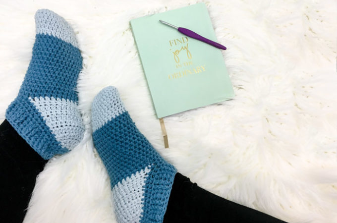 Easy Crochet Slipper Socks – Free Pattern by Left in Knots